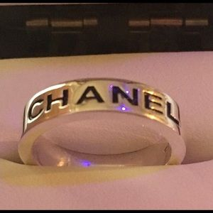 ❇️ RARE CHANEL Solid Sterling Silver Band 6.75